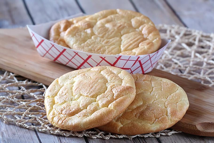 Bröd gjort på färskost och fiberhusk